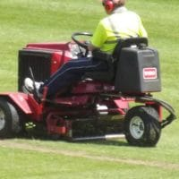 discover here an expert step by step guide about how to start lawn care business