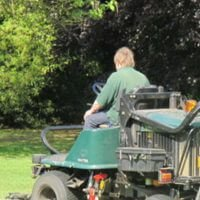 how to start lawn care company